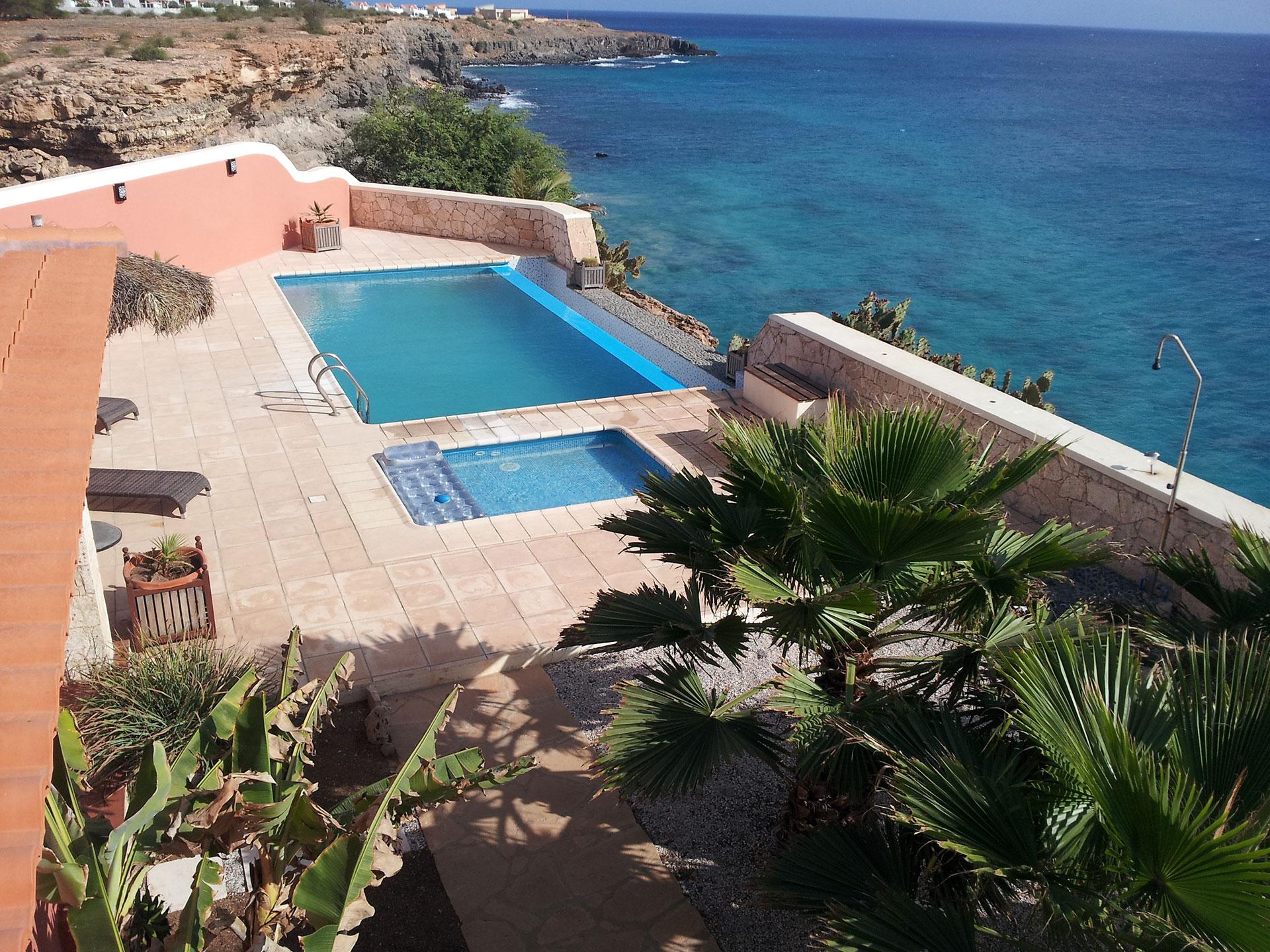 cap vert piscine top piscine en plein air with cap vert piscine great prsentation bassin de m. Black Bedroom Furniture Sets. Home Design Ideas